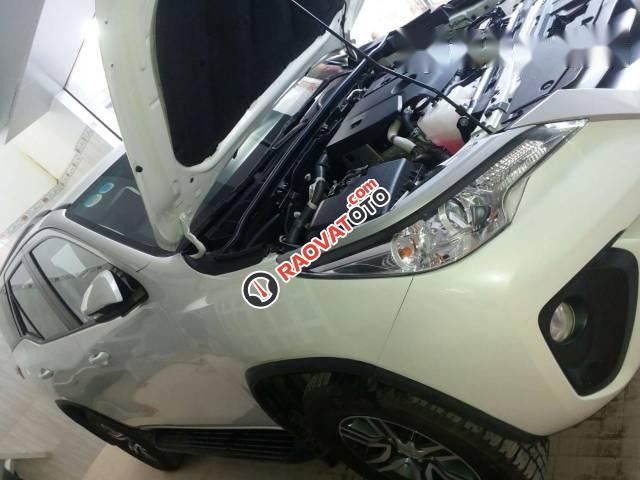 Cần bán xe Toyota Fortuner đời 2017, màu trắng-5