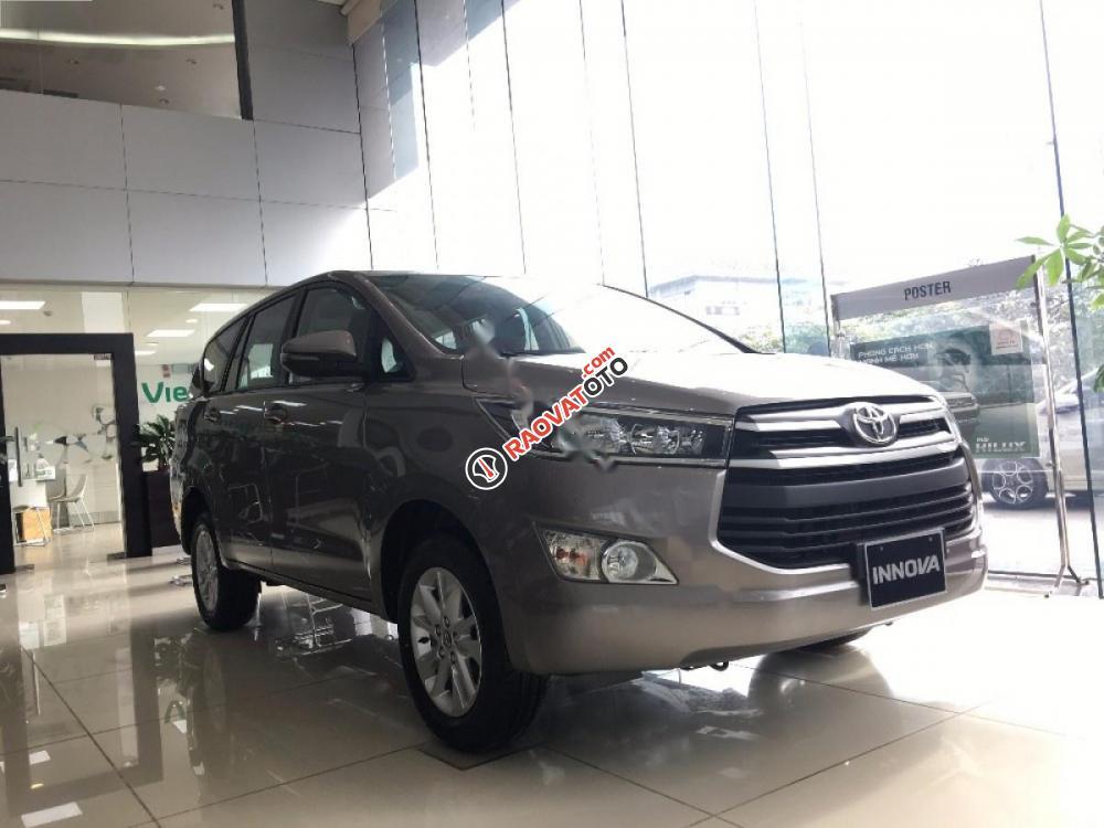 Bán Toyota Innova 2.0E đời 2017-6