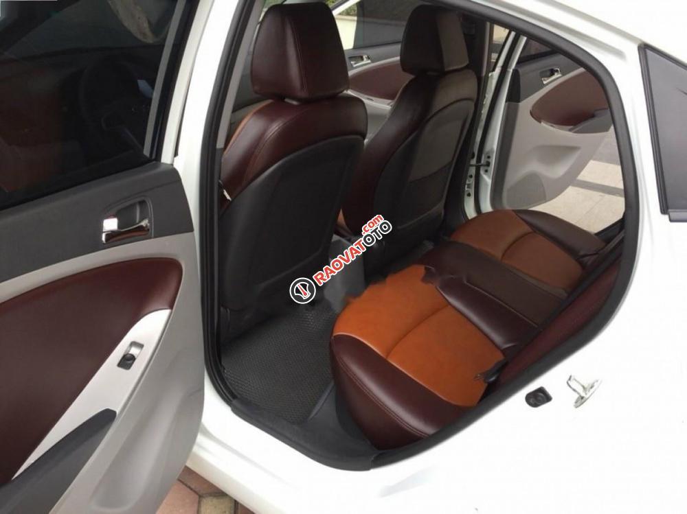 Cần bán xe Hyundai Accent 1.4 năm 2012, màu trắng, nhập khẩu số sàn-8