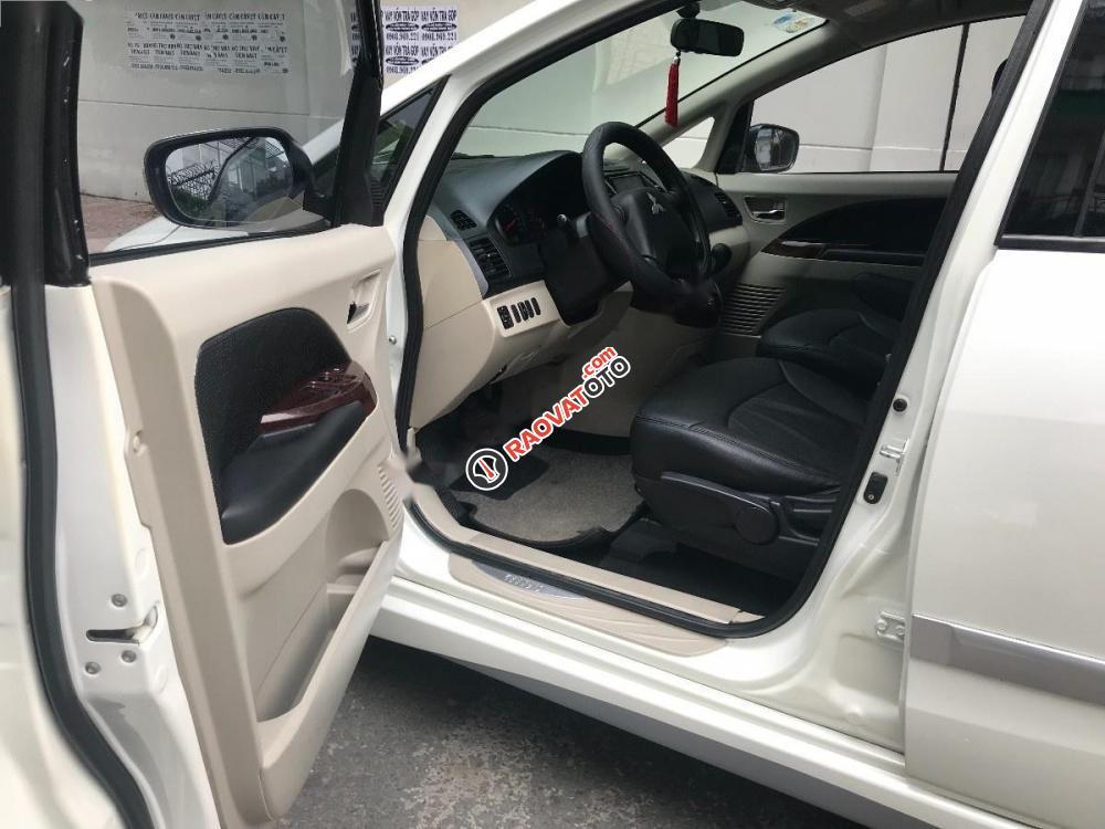 Bán Mitsubishi Grandis 2.4 AT đời 2011, màu trắng chính chủ-2