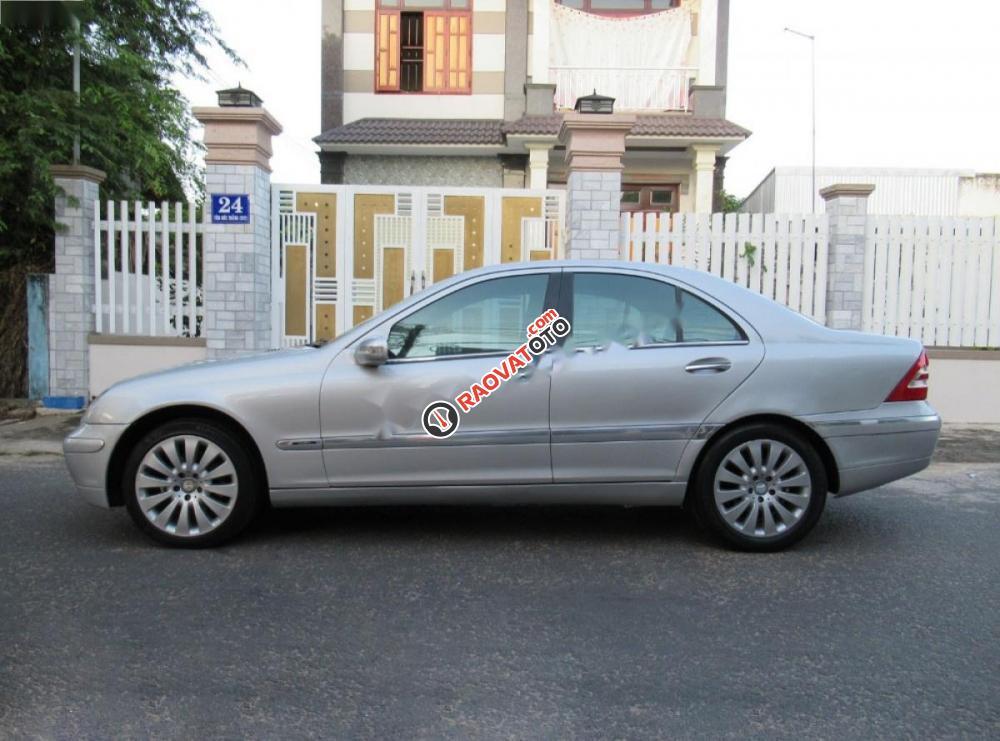 Bán Mercedes C180 đời 2002, màu bạc còn mới, 223tr-3