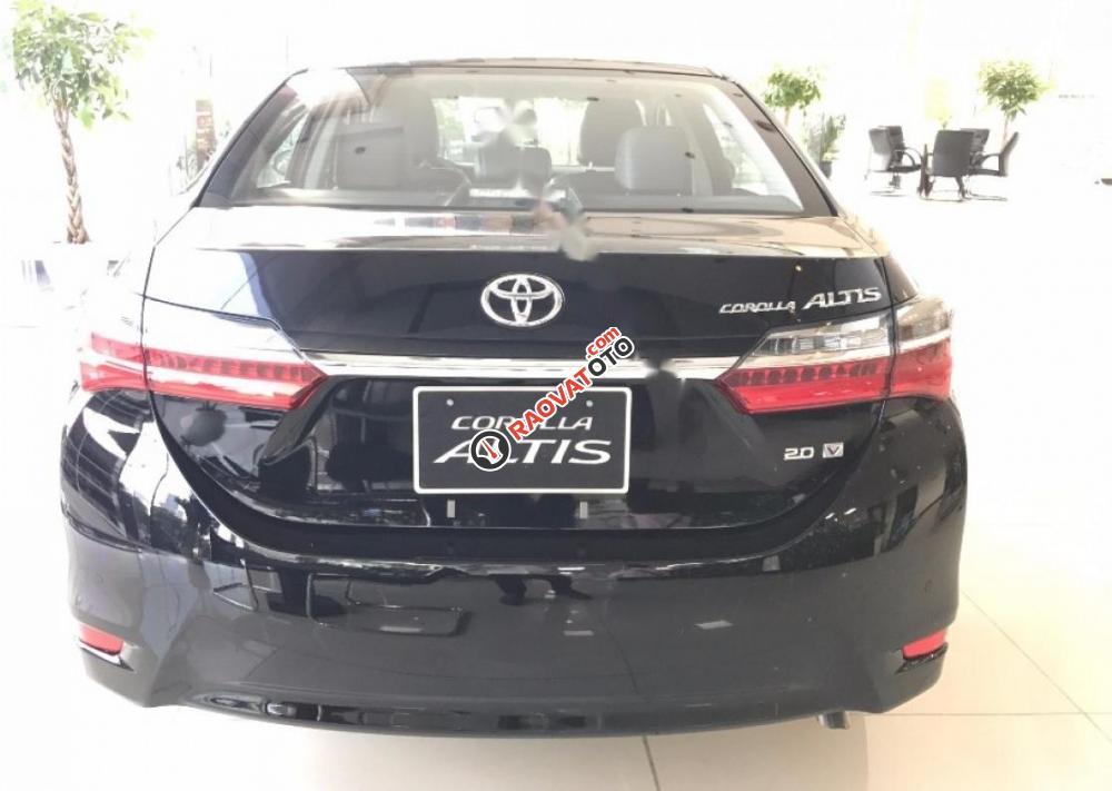 Cần bán Toyota Corolla Altis 2.0V AT đời 2017, màu đen giá cạnh tranh-2