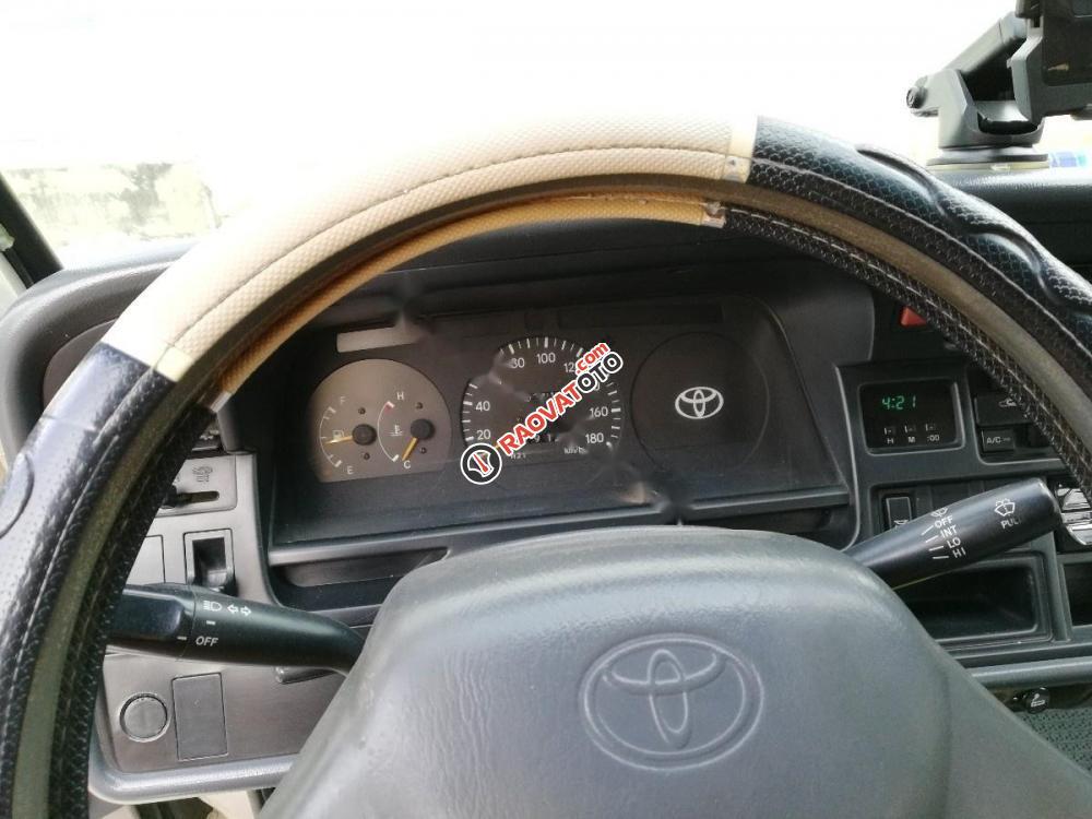 Cần bán xe Toyota Hiace năm 2005, chính chủ-4