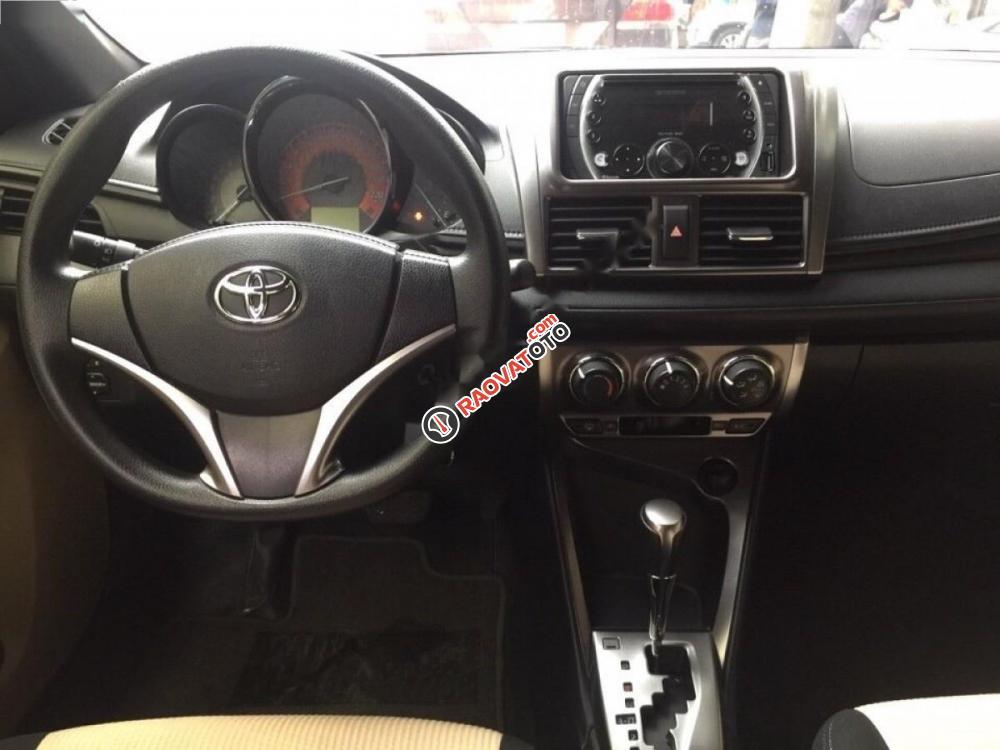 Cần bán xe Toyota Yaris E đời 2016, màu trắng, giá 550tr-8