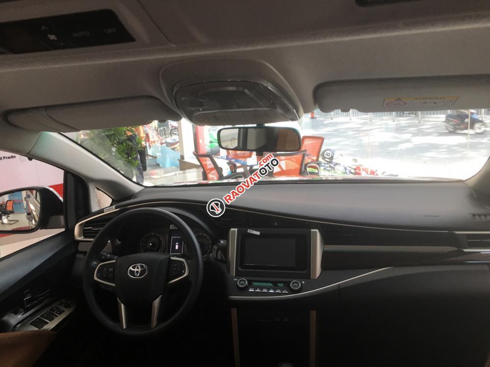 Bán Toyota Innova 2.0G AT trang bị DVD, cân bằng điện tử, giá cạnh tranh, hỗ trợ vay vốn 90%. LH 0916 11 23 44-7