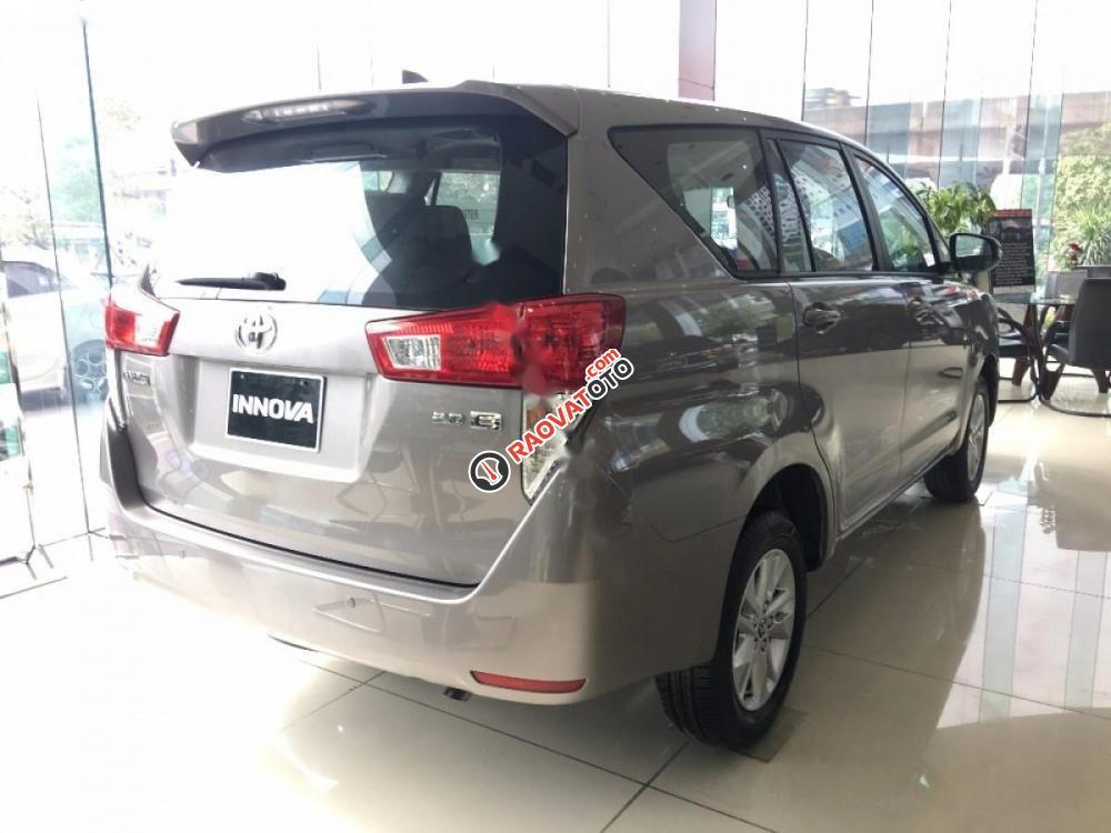 Bán Toyota Innova 2.0E đời 2017-2