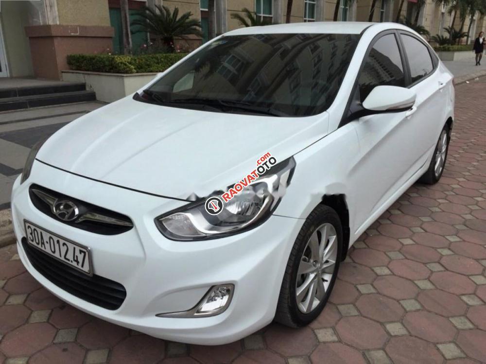 Cần bán xe Hyundai Accent 1.4 năm 2012, màu trắng, nhập khẩu số sàn-1