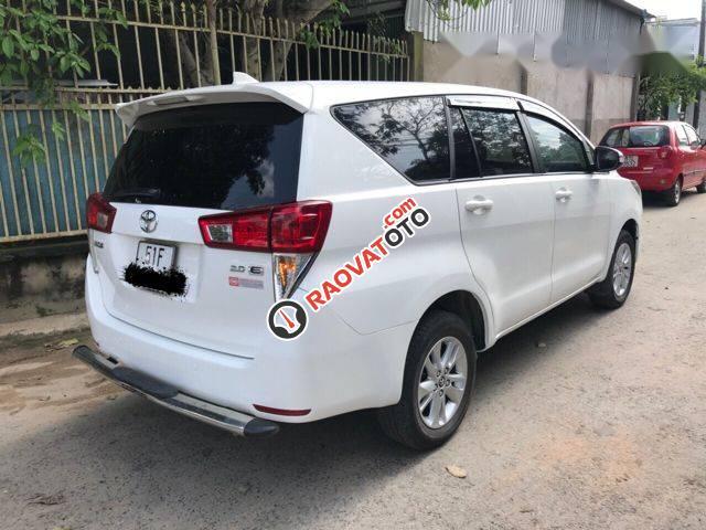 Bán xe Toyota Innova E 2.0MT đời 2017, màu trắng, 689 triệu-2