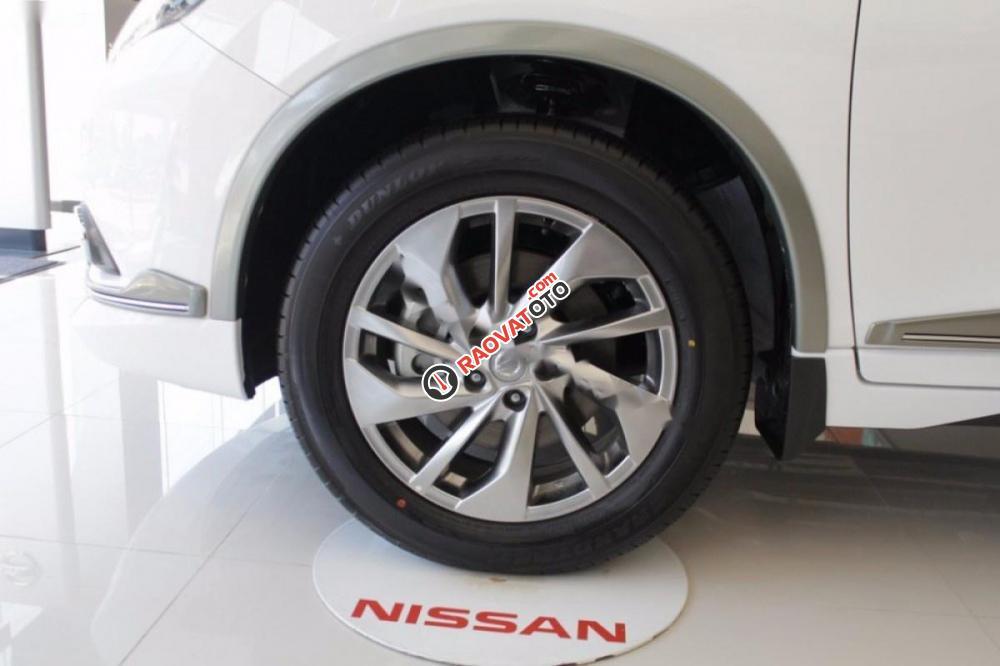 Cần bán Nissan X trail 2.5 SV 4WD Premium năm 2017, màu trắng-6