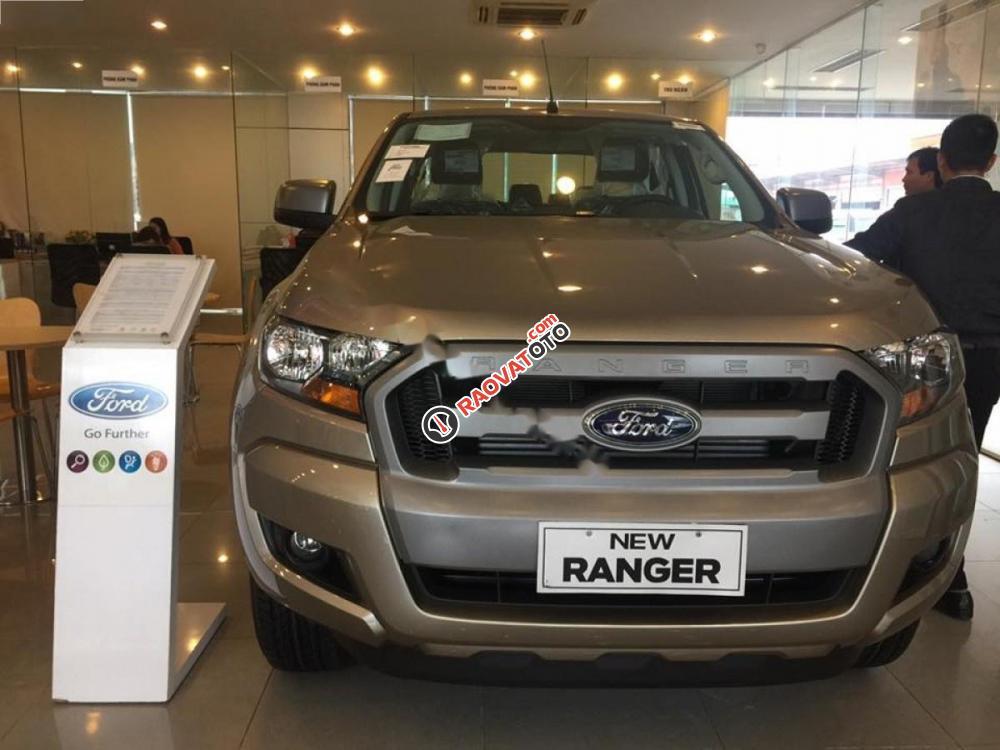 Cần bán xe Ford Ranger XLS 2.2L 4x2 AT sản xuất 2017, xe nhập, giá 680tr-5