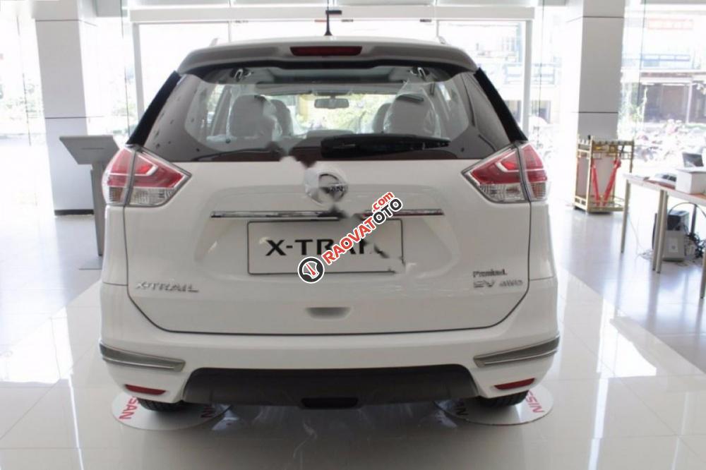 Cần bán Nissan X trail 2.5 SV 4WD Premium năm 2017, màu trắng-8