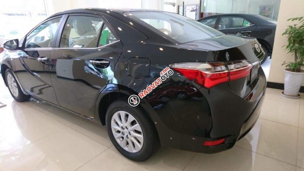 Bán xe Toyota Corolla Altis 1.8CVT đời 2017, màu đen-3