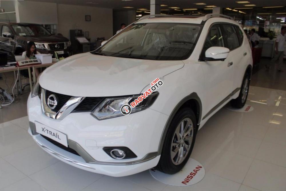 Cần bán Nissan X trail 2.5 SV 4WD Premium năm 2017, màu trắng-7