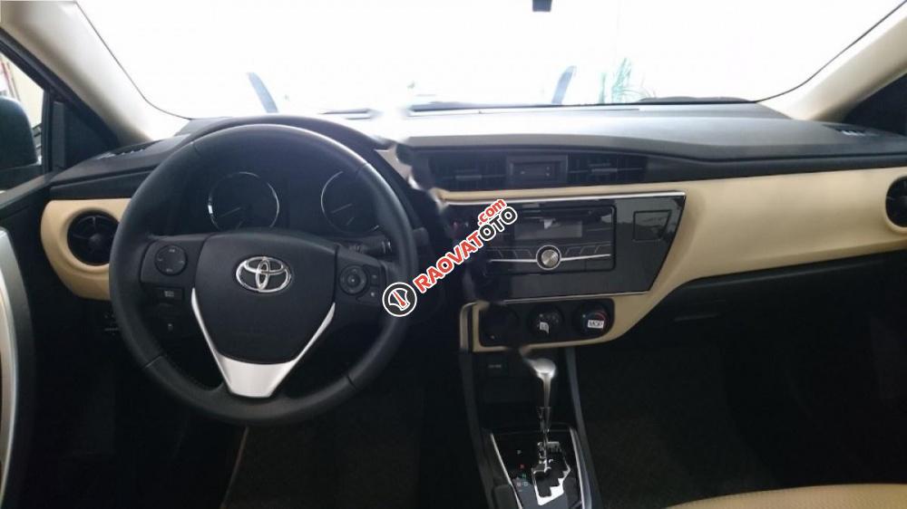 Bán xe Toyota Corolla Altis 1.8CVT đời 2017, màu đen-2