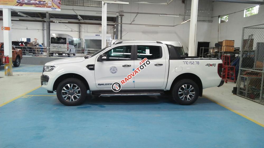 Cần bán bán tải Ford Ranger Wildtrak đời 2018, giá xe chưa giảm. Liên hệ Mr. Đạt: 093.114.2545 -097.140.7753-3