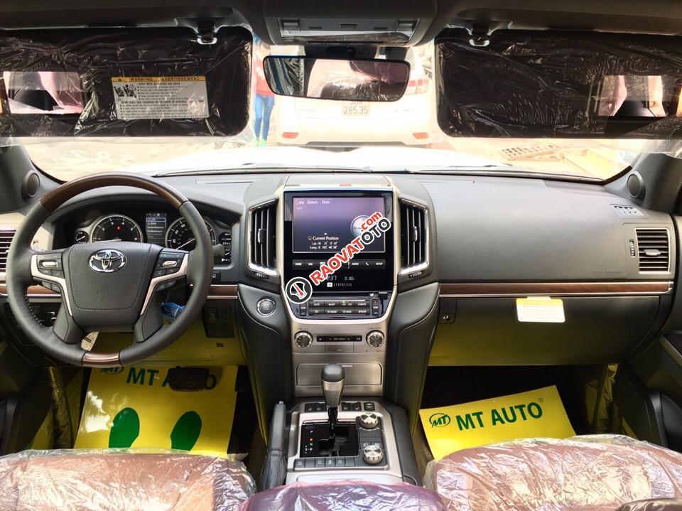 Bán Toyota Land Cruiser 5.7 đời 2017, màu đen, nhập khẩu nguyên chiếc-12