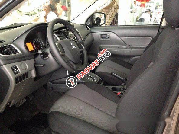 Cần bán Mitsubishi Triton đời 2016, màu nâu số sàn-4