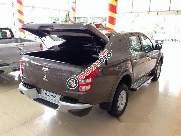 Cần bán Mitsubishi Triton đời 2016, màu nâu số sàn-7