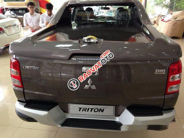 Cần bán Mitsubishi Triton đời 2016, màu nâu số sàn-3