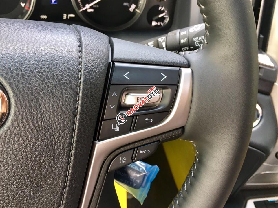 Bán Toyota Land Cruiser 5.7 đời 2017, màu đen, nhập khẩu nguyên chiếc-19