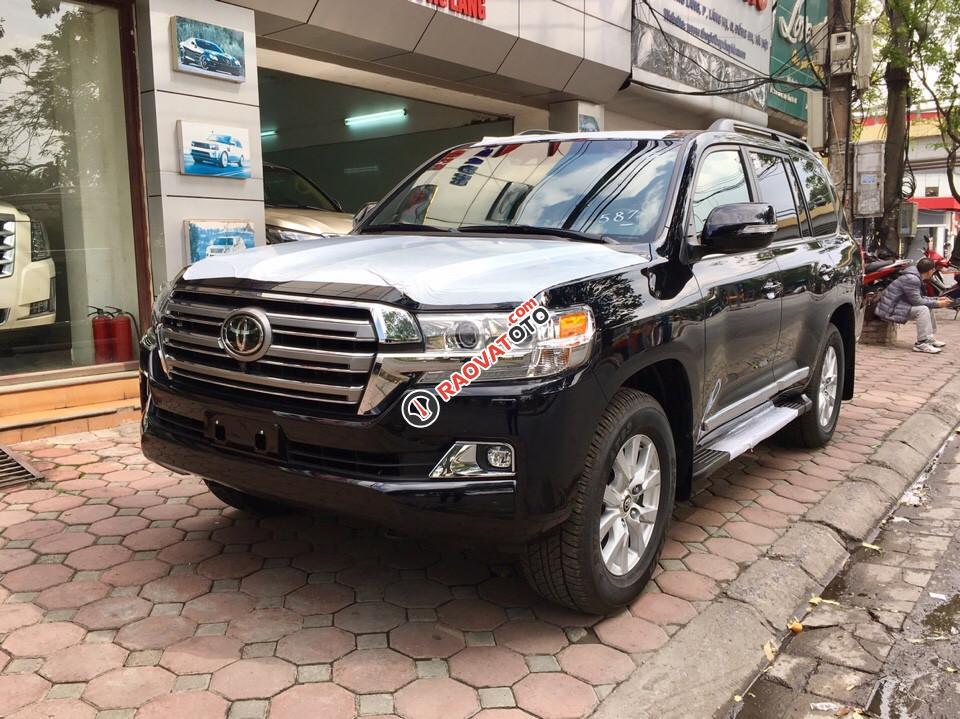 Bán Toyota Land Cruiser 5.7 đời 2017, màu đen, nhập khẩu nguyên chiếc-4