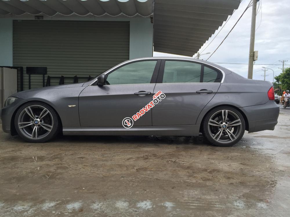 Bán xe BMW 320i đời 2010-2