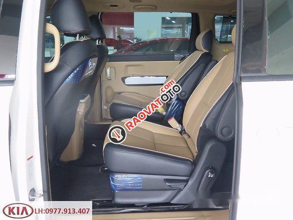 Bán xe Kia Sedona đời 2017, màu trắng-7