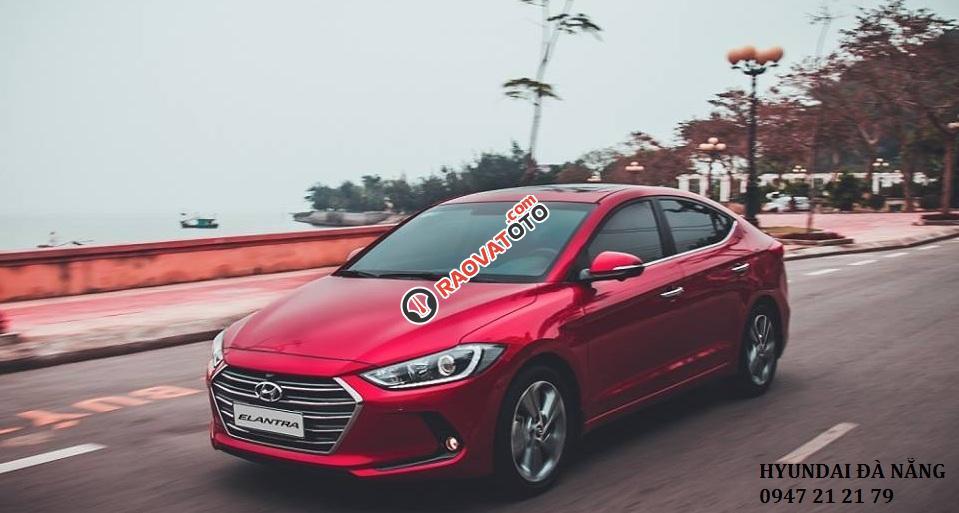 Xe Hyundai Elantra đời 2018 màu đỏ- Đà Nẵng, giá sốc, giảm giá 80 triệu, rẻ nhất thị trường-0