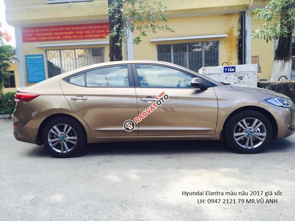 Xe Hyundai Elantra đời 2018 màu nâu - Đà nẵng giá sốc, giảm giá 80 triệu, rẻ nhất thị trường-1