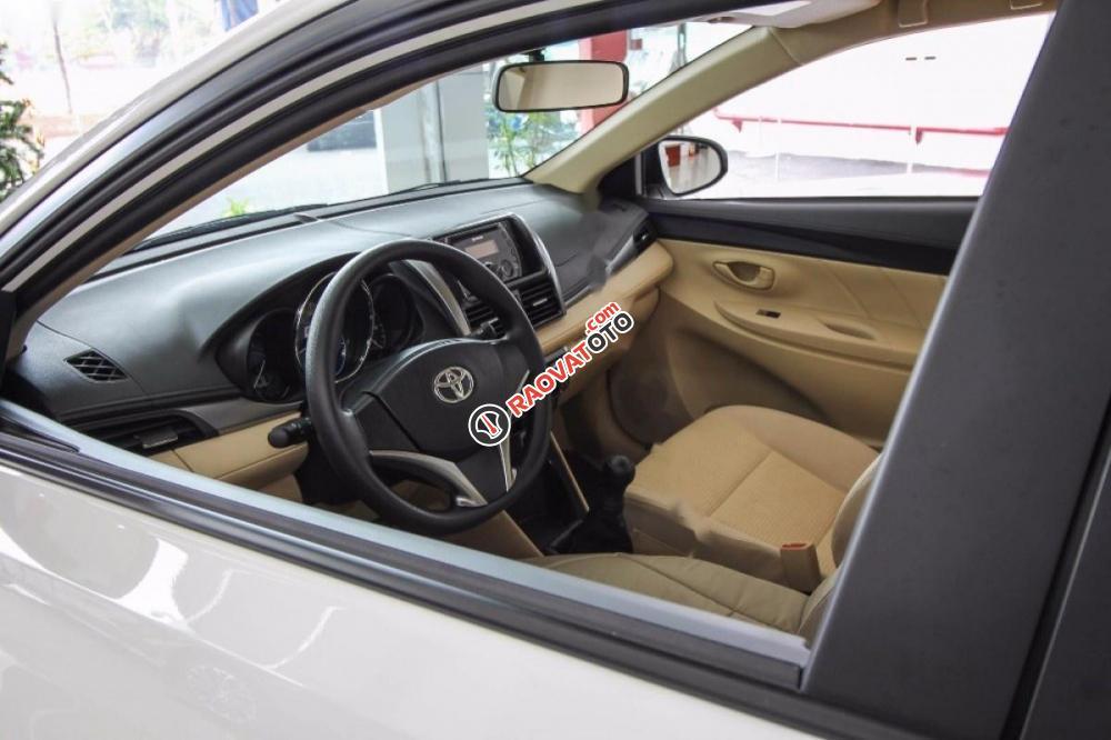Bán Toyota Vios 1.5E đời 2017, màu trắng -1