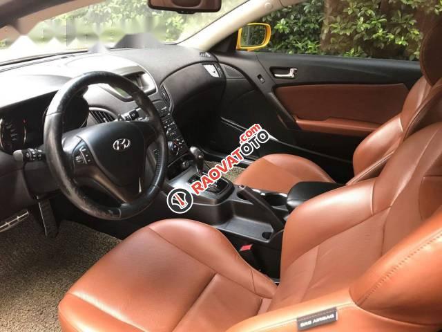 Bán xe Hyundai Genesis Coupe 2011, màu vàng-3