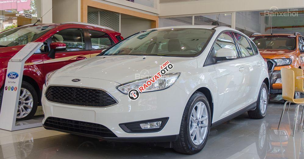Ford Focus 2017, giá cực hấp dẫn - Hotline 0979.956.708 Ms Tâm-1