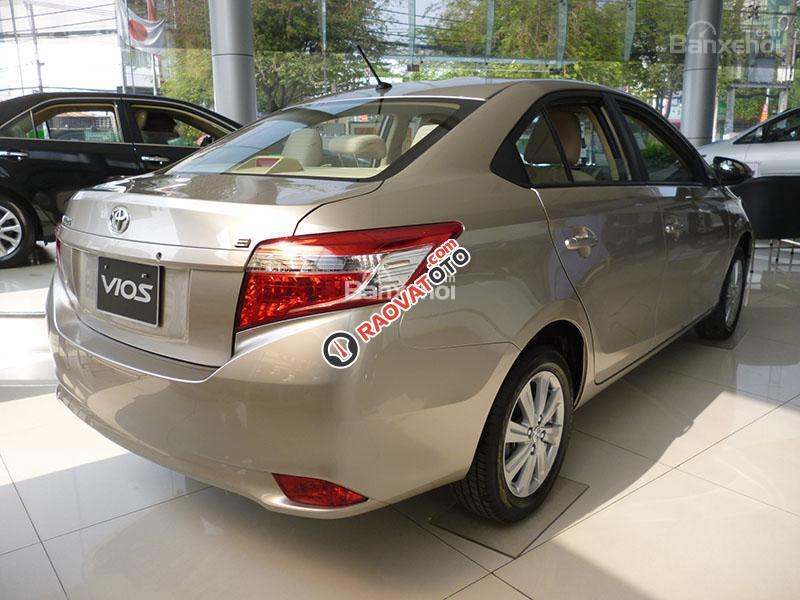 Bán Toyota Vios 1.5E số sàn, ưu đãi giá, tặng phụ kiện, hỗ trợ vay 95% giá trị xe-7