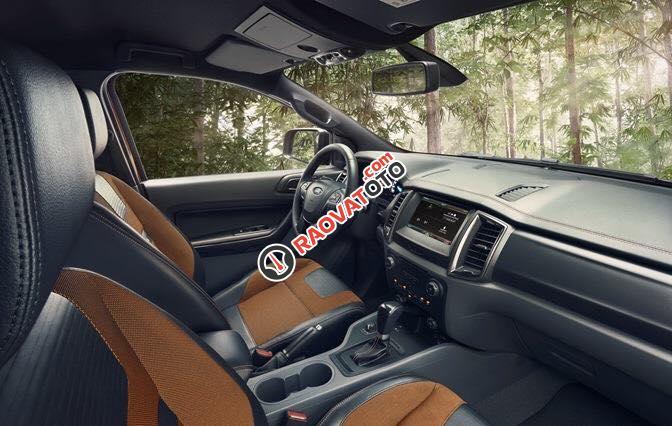 Bán Ford Ranger Wildtrak 3.2 2017, xe đủ màu giao ngay, hỗ trợ trả góp 80% giá xe-5