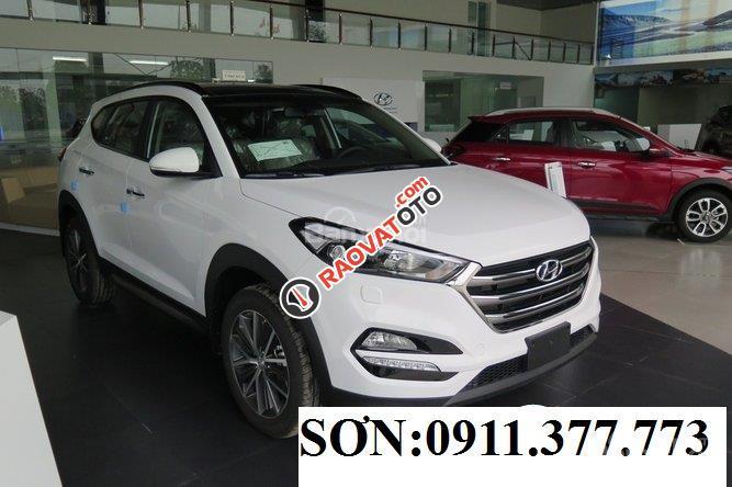 Cần bán Hyundai Tucson mới, màu trắng, LH Ngọc Sơn: 0911377773-22