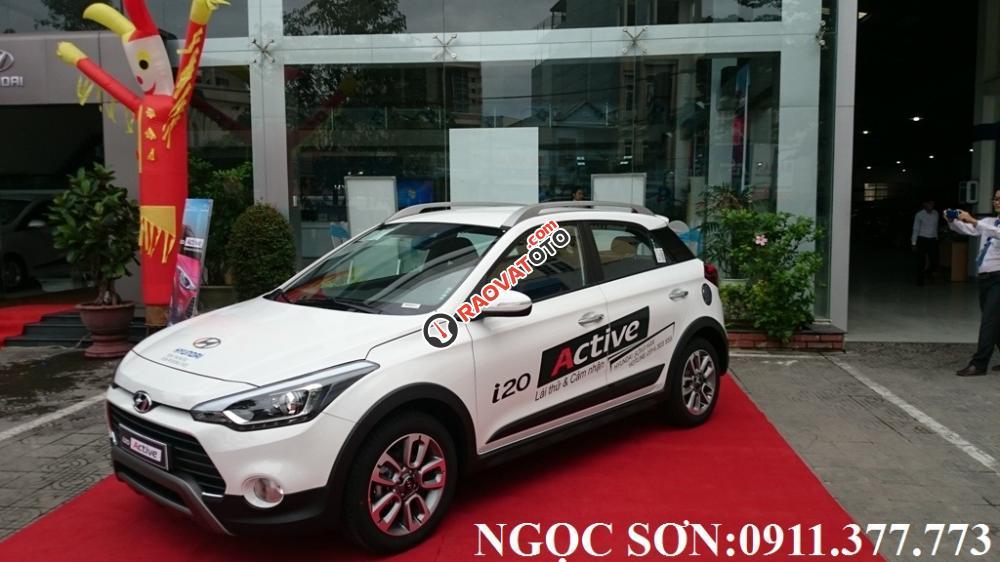Bán Hyundai i20 Active Đà Nẵng,trả góp 90%xe, LH Sơn: 0911377773-3