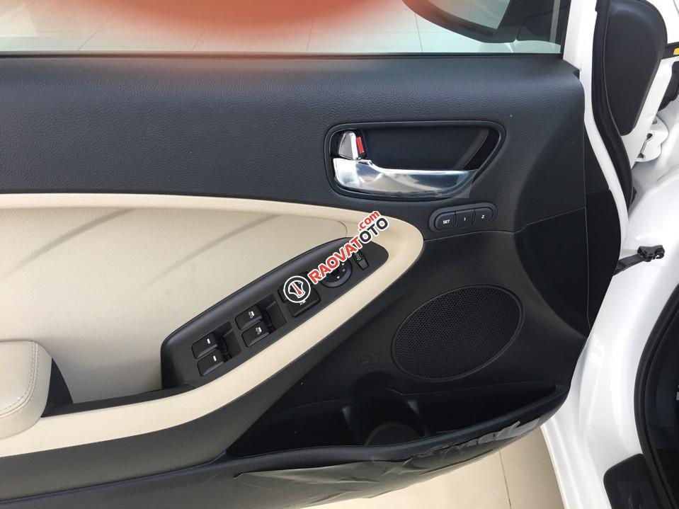 Bán xe Kia Cerato 1.6 AT đời 2018 (579tr), màu trắng, 0979 684 924-1