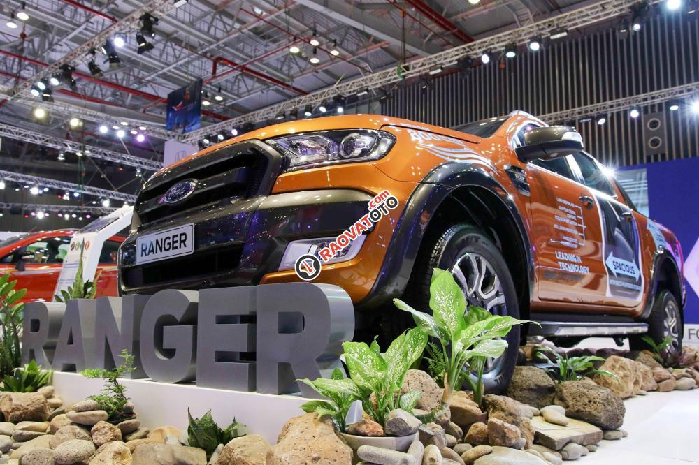 Bán Ford Ranger 3.2 giá tốt, hỗ trợ trả góp 80% lãi suất thấp, xe đủ màu giao ngay-1
