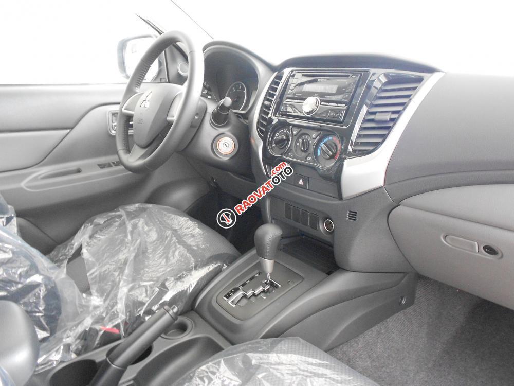 Cần bán xe Mitsubishi Triton đời 2016, màu xám, nhập khẩu nguyên chiếc-5