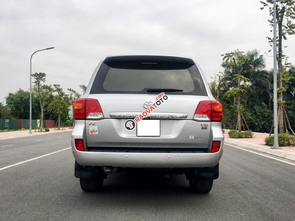 Cần bán gấp Toyota Land Cruiser VX V8 năm 2014, màu bạc, nhập khẩu nguyên chiếc-1