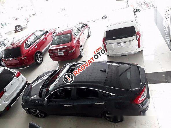 Bán xe Honda Civic đời 2017, màu đen-1