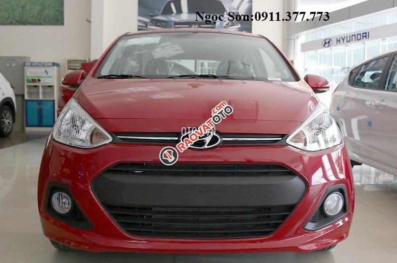 Bán Hyundai Grand i10, màu đỏ, trả góp 90%xe, LH Ngọc Sơn: 0911377773-3