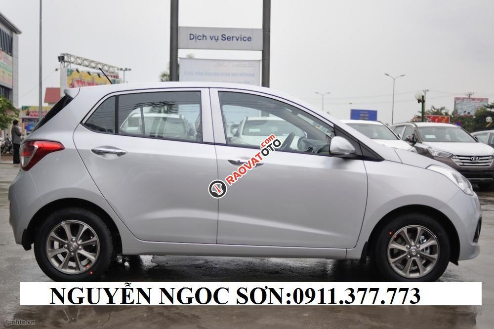 Cần bán xe Hyundai Grand i10 , màu bạc, LH Ngọc Sơn: 0911.377.773-5