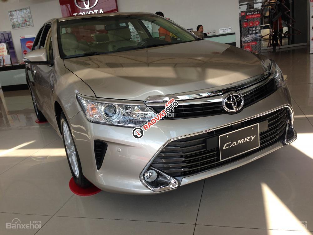Cần bán Toyota Camry 2018 2.5Q, xe mới 100%. Hỗ trợ trả góp 80%, giá tốt liên hệ 0989.307.395-1