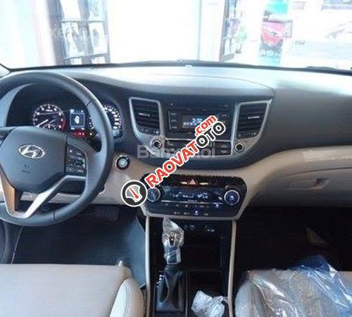 Cần bán Hyundai Tucson mới, màu trắng, LH Ngọc Sơn: 0911377773-14