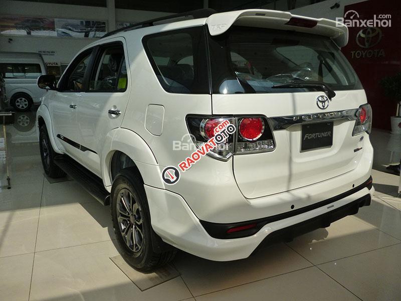 Bán xe Toyota Fortuner 4x2 V đời 2017, cam kết giá tốt nhất, uy tín nhất miền Nam-4
