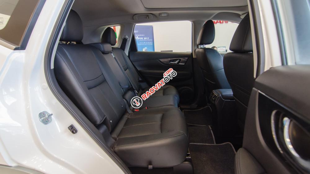 Bán xe Nissan X trail Xtrail 2.5 SV Premium L 2017, giá tốt nhất miền Nam-6