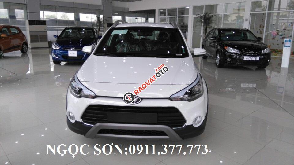 Bán Hyundai i20 Active Đà Nẵng,trả góp 90%xe, LH Sơn: 0911377773-0