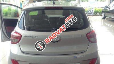 Bán Hyundai Grand i10 1.2MT bạc - Giao xe ngay - Liên hệ: 0906721088-5
