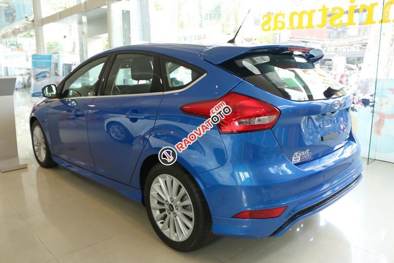 Bán xe ô tô Sài Gòn Ford Focus 1.5L Ecoboost Sport 5 cửa 2018, màu xanh, giá 749 triệu, chưa khuyến mãi-3